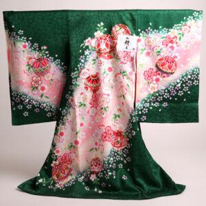 ■緑地にピンクの花と手毬が可愛い初着入荷しました!■